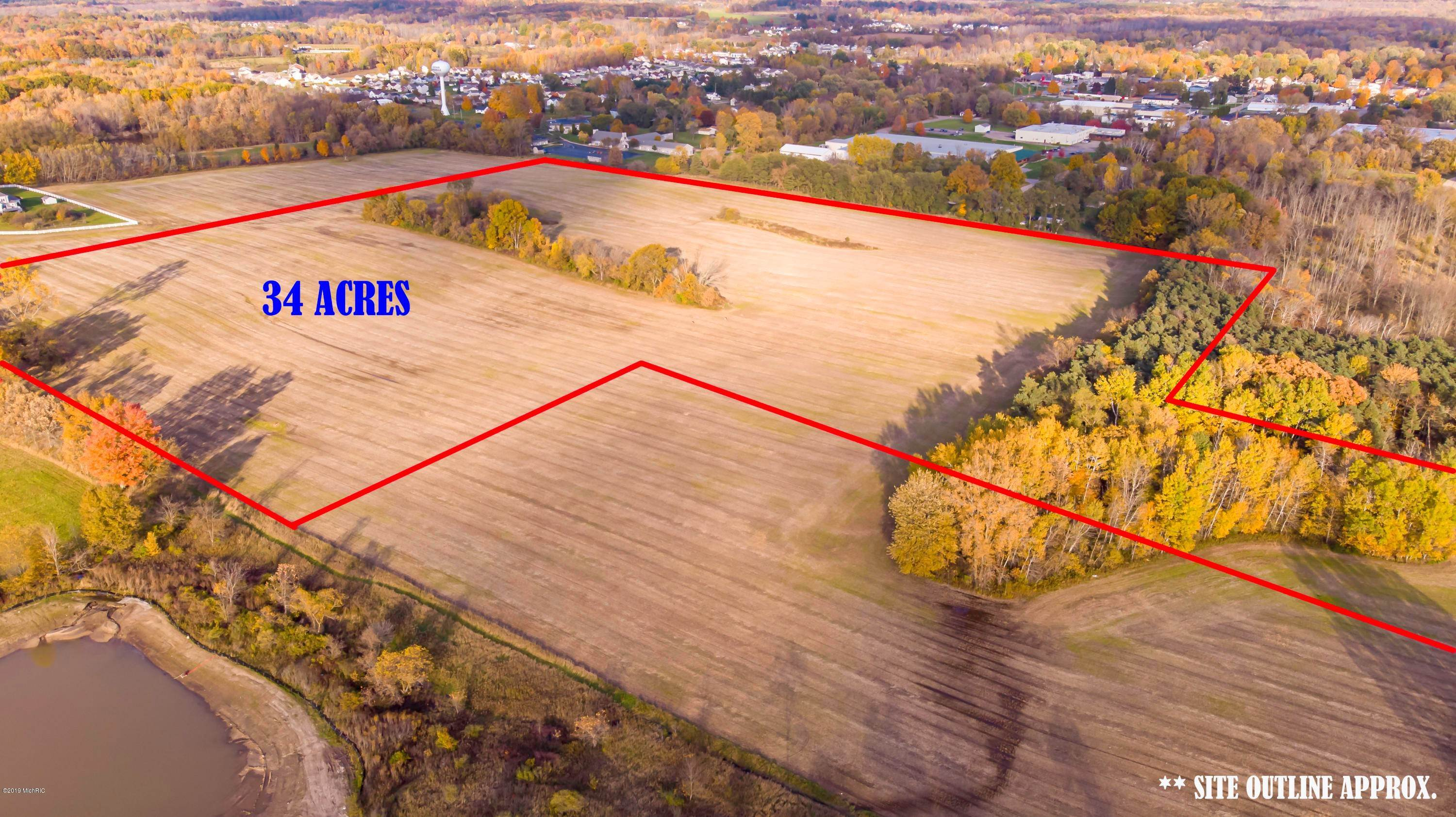 Farm and Ranch Properties por un Venta en 4305 17 Mile Cedar Springs, Michigan 49319 Estados Unidos